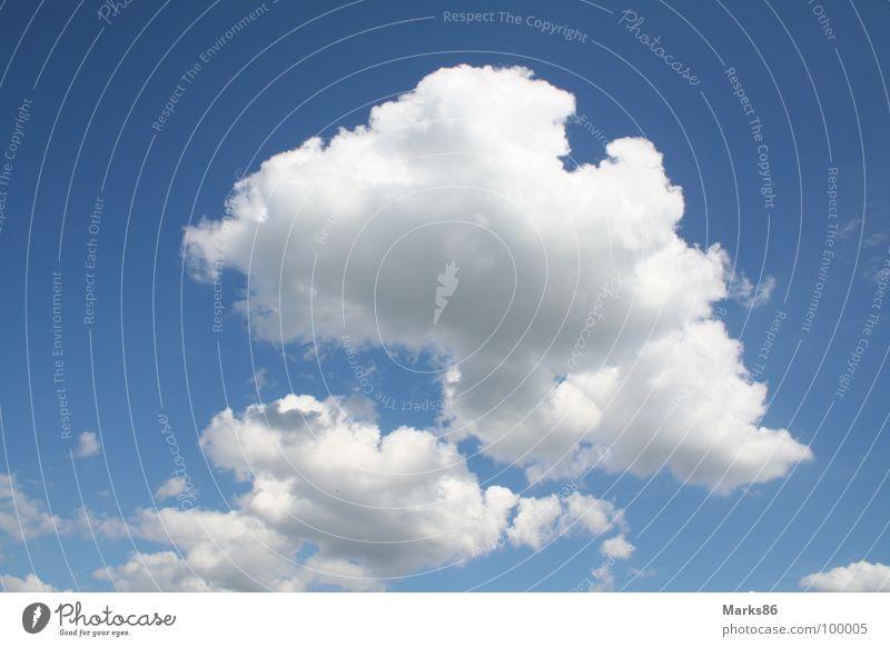 Wolken über Berlin Himmel weiß blau Wolken Graffiti hell-blau