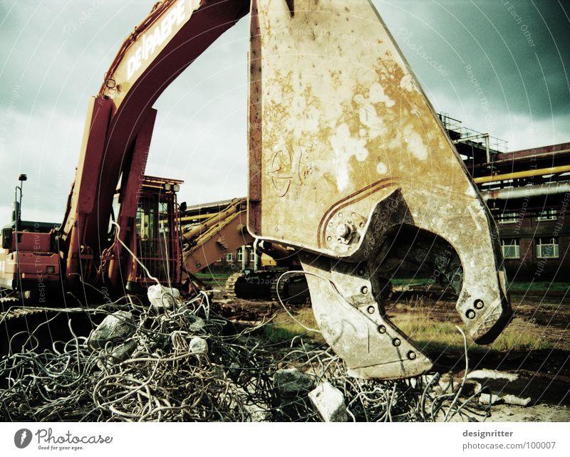 Vorsicht: bissig! Bagger Greifer Zange Baumaschine Maschine Ungeheuer Monster Demontage Zerreißen zerstören kaputt wüst Vergänglichkeit Schere Maul beißen