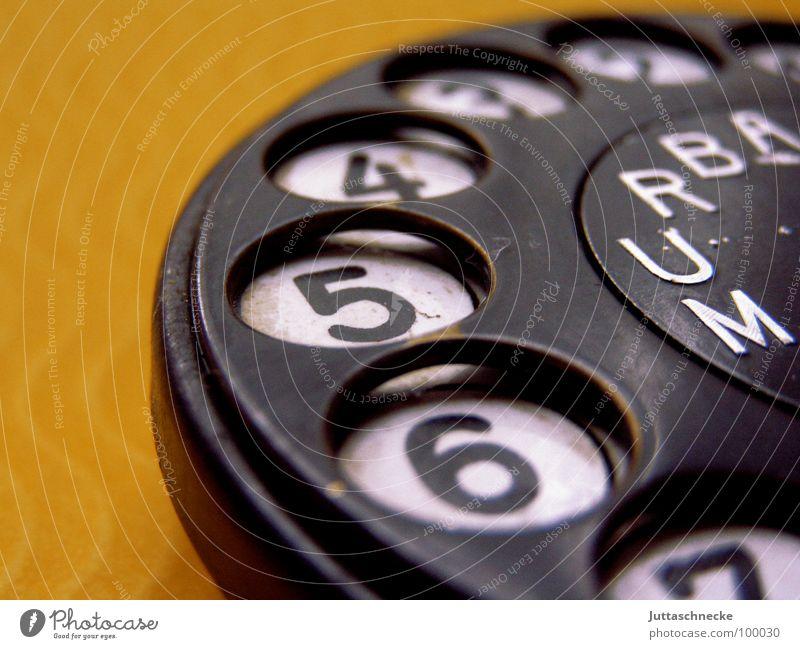 Erinnert ihr euch noch? Wählscheibe Telefon Ziffern & Zahlen gelb schwarz Haushalt Kommunizieren Juttaschnecke
