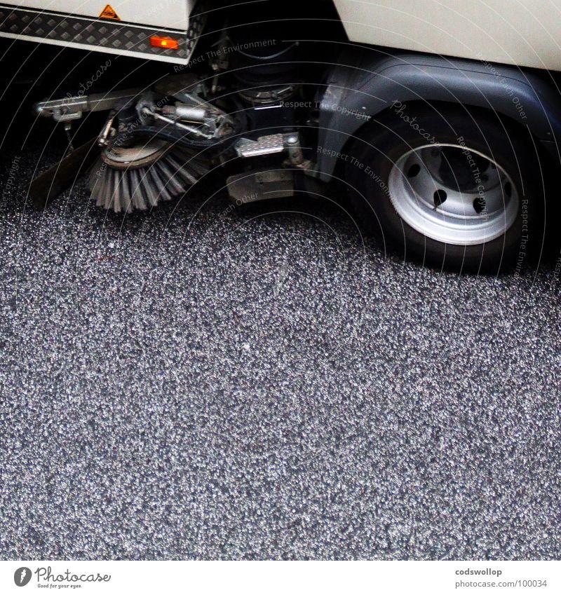 spick and span Sauberkeit Haushalt Kehrmaschine Strassenfeger aufräumen Staubsaugen Abwechselnd Öffentlicher Dienst Verkehrswege rechtslenker clean road Straße