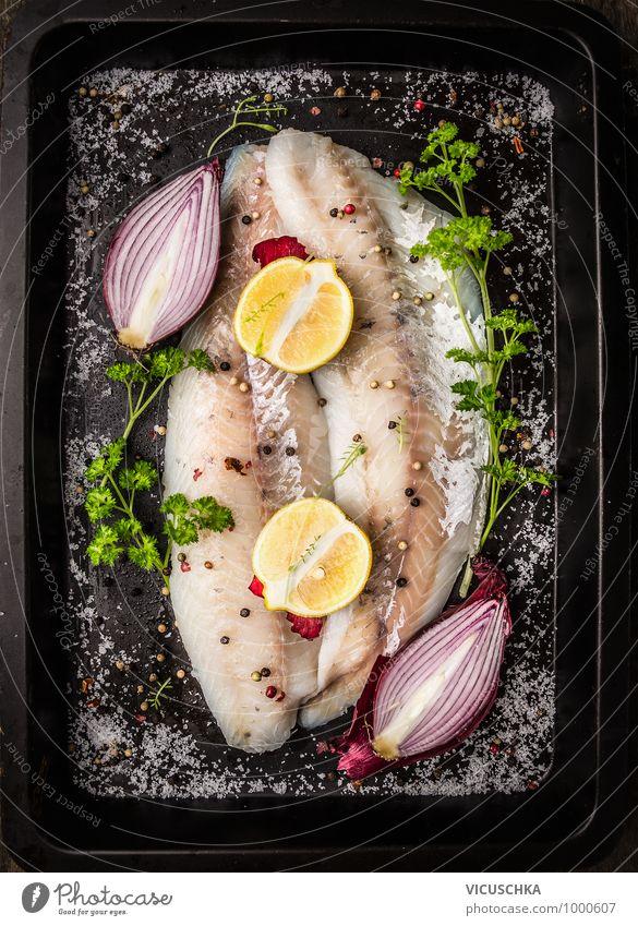 Zander Fischfilet mit rote Zwiebel und Zitrone Lebensmittel Gemüse Kräuter & Gewürze Öl Ernährung Mittagessen Abendessen Bioprodukte Vegetarische Ernährung Diät