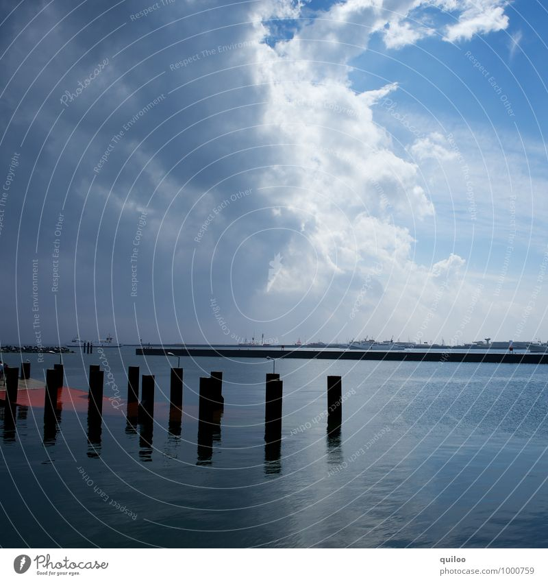 Unwetter naht Himmel Natur Ferien & Urlaub & Reisen blau weiß Landschaft schwarz dunkel Umwelt Gefühle grau Regen Angst Kraft Tourismus gefährlich