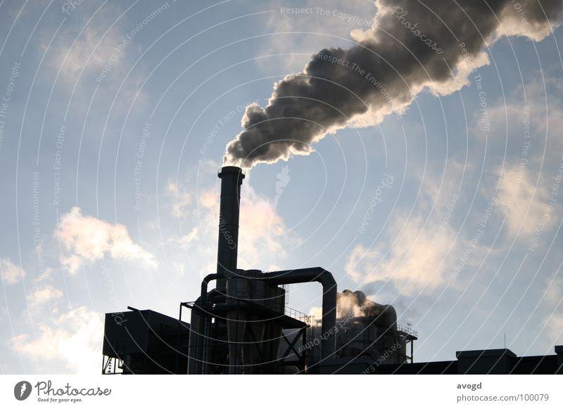 Wolkenfabrik schön Himmel weiß Sonne blau schwarz dunkel grau Traurigkeit Gebäude dreckig Wind Umwelt Industrie Trauer