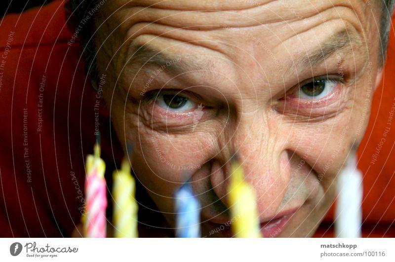 lecker, Kerzen! Auge lustig hell orange Geburtstag Mund Nase Fröhlichkeit Ohr Falte Amerika Torte Augenbraue grell Stirn