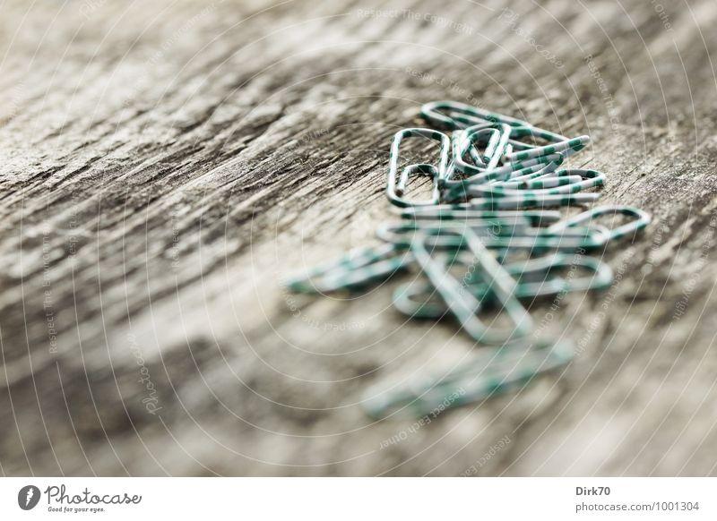 Ordnungshelfer grün weiß schwarz Holz hell Metall Arbeit & Erwerbstätigkeit liegen Ordnung Büro Sicherheit Holzbrett Kontrolle diagonal Draht beweglich
