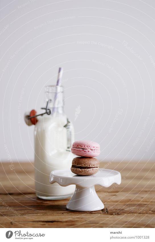 Milch und was zum Naschen Lebensmittel Dessert Süßwaren Schokolade Ernährung Essen Getränk trinken Erfrischungsgetränk Gefühle Stimmung Kalorienreich Flasche