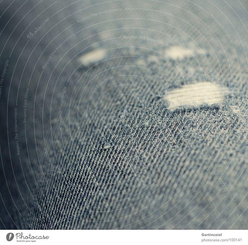 Vom Ableben meiner Lieblingsjeans... alt Bekleidung Jeanshose kaputt Stoff Jeansstoff Loch schäbig Riss Textilien Faser gerissen geplatzt Abrieb