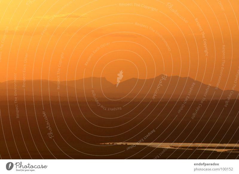 at the end of... Australien Outback Sommer Sonnenuntergang Himmel Frieden Ferien & Urlaub & Reisen Natur Dämmerung Wolken Fernweh Physik Horizont Ferne