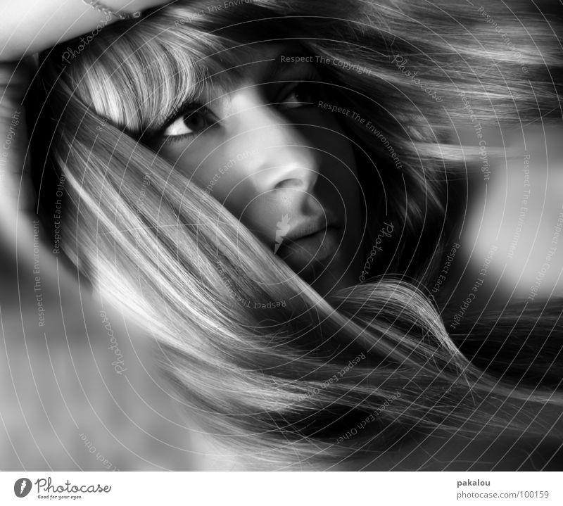 thinking 'bout you Frau Mensch Jugendliche Gesicht Auge träumen Haare & Frisuren Kopf Denken Arme Nase Trauer Verzweiflung Gesichtsausdruck Porträt Pony