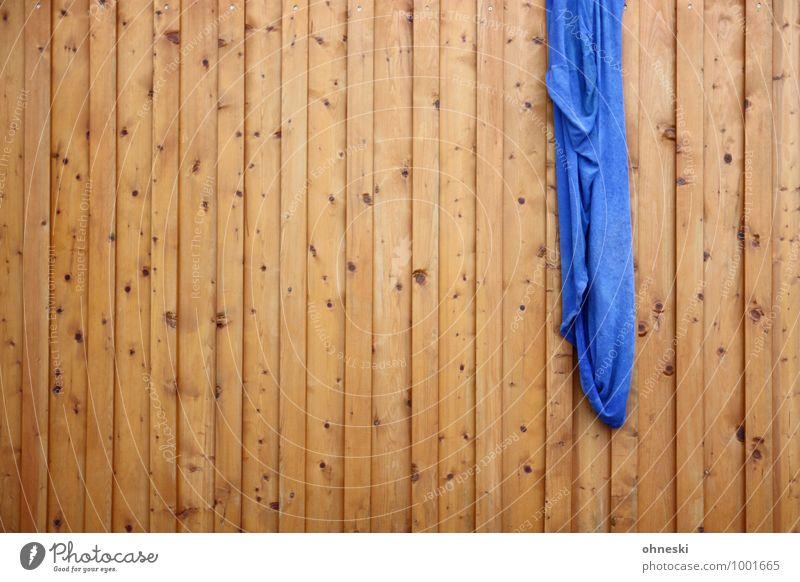 Abhängen blau Holz Garten Fassade Zaun Holzbrett Wäsche waschen Bettlaken Bretterzaun
