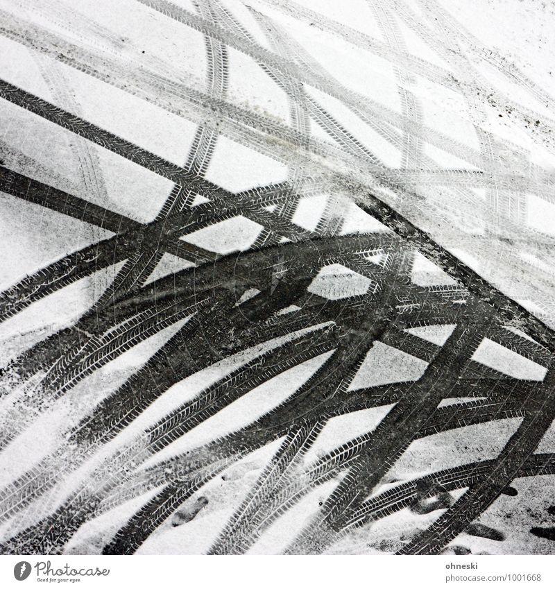 Bitte wenden Straße Schnee Wege & Pfade Eis Verkehr Frost Netzwerk Glätte Autofahren Straßenverkehr Reifenspuren