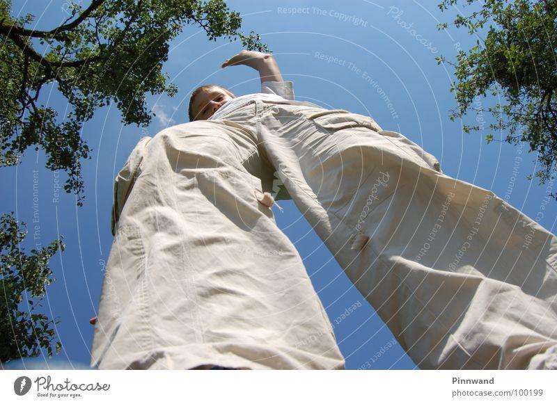 equilibrium IV Himmel Freude Freiheit Tanzen Zufriedenheit fliegen Geschwindigkeit Seil Suche Schnur Schönes Wetter dünn Konzentration Hose Sturz Momentaufnahme