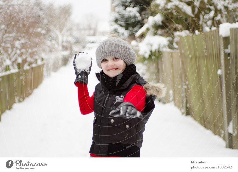 Ich treffe dich feminin Kind Mädchen Kindheit Jugendliche 1 Mensch 8-13 Jahre Schönes Wetter Eis Frost Schnee Schneefall Jacke Fell Schal Handschuhe Mütze