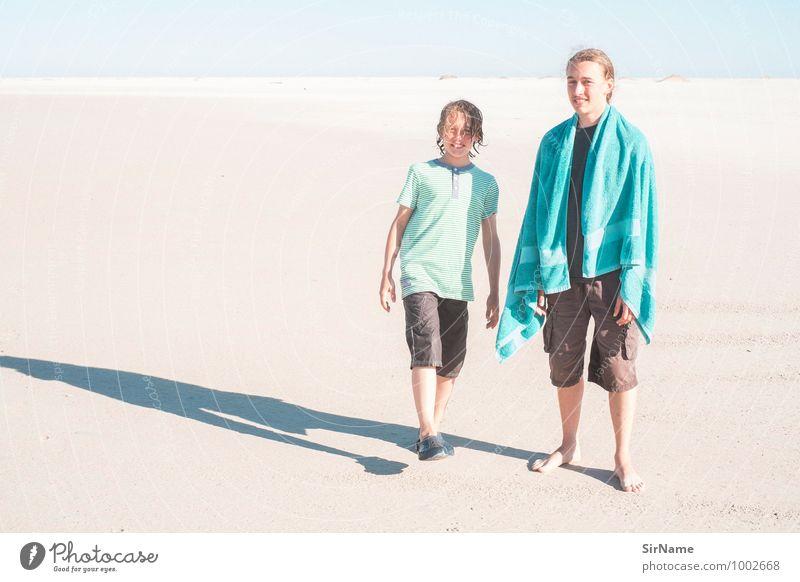 298 [meeresjungen] Mensch Kind Ferien & Urlaub & Reisen Jugendliche Sommer Meer Landschaft Freude Junger Mann Strand Ferne natürlich Freiheit Schwimmen & Baden