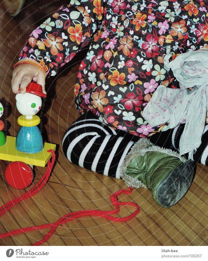 Hand on my Head Kind Mädchen Blume Spielen Baby Spielzeug Kleinkind Kinderzimmer