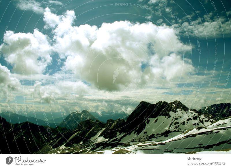 Zugspitze massiv Wolken Aussicht Gletscher Schneeschmelze Klimawandel Sonne Seilbahn wandern Bayern Garmisch-Partenkirchen Luft Österreich Horizont Bergkette