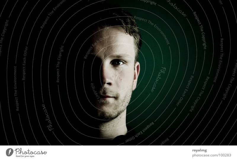 dude Mensch Mann Gesicht schwarz Auge dunkel maskulin Porträt modern Konzentration Schatten Hälfte