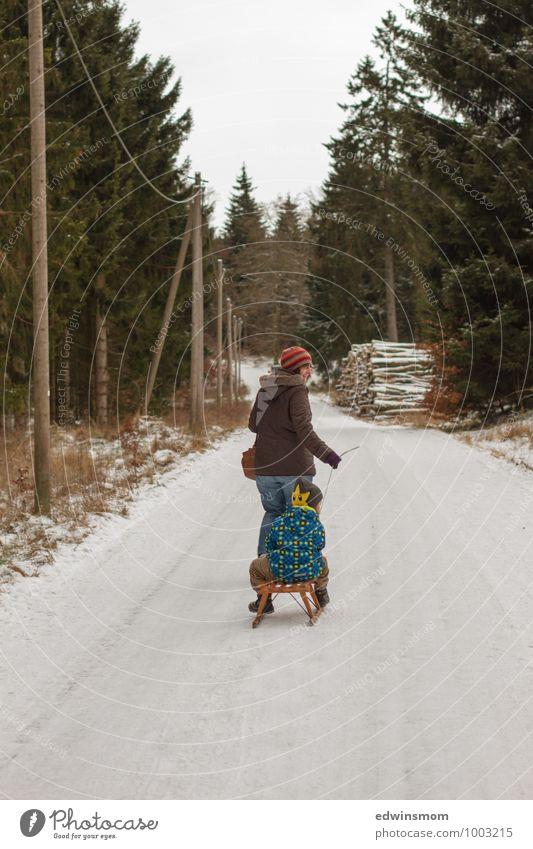 Im Thüringer Wald unterwegs. Mensch Frau Kind grün weiß Baum Winter Erwachsene Schnee Junge natürlich Holz gehen Familie & Verwandtschaft Eis