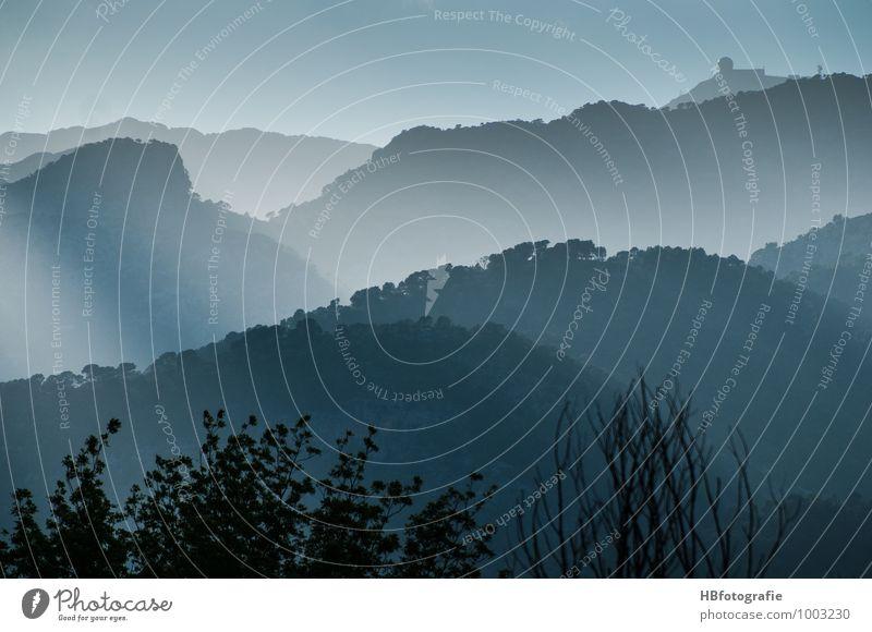 Blaue Berge Ferien & Urlaub & Reisen Meer Insel Landschaft Wald Hügel Berge u. Gebirge Menschenleer Unendlichkeit blau Sehnsucht Fernweh Mediteran Ferne