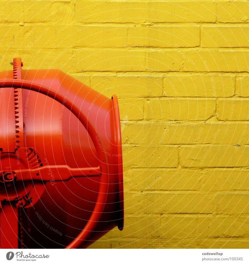 player two gelb Arbeit & Erwerbstätigkeit Wand Mauer Sand orange Baustelle Mischung Musikmischpult Beruf Automatisierung Fachmann Mischmaschine Portland