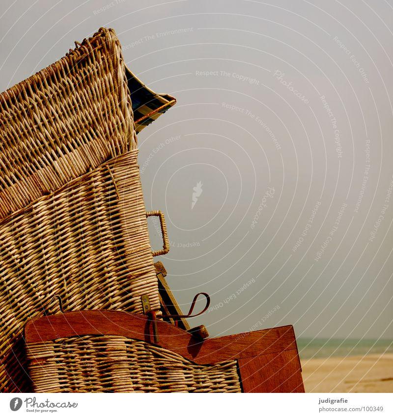 Strandkorb Meer Fischland Darß Prerow Ferien & Urlaub & Reisen 2 Korb weiß braun grün gelb Küste Sitzgelegenheit Erholung Sand Ostsee Stranddüne Wasser sitzen