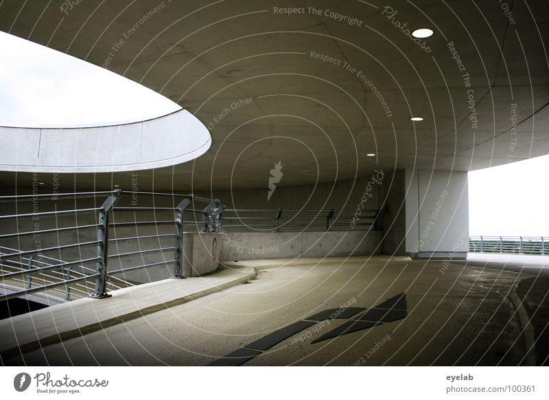 Oskar Niemeyer was here !? Beton Teer Säule Bodenbelag Tag gelb schwarz Stahl Edelstahl Richtung parken Parkhaus Gebäude Haus Abstellplatz Garage Fahrbahn Licht