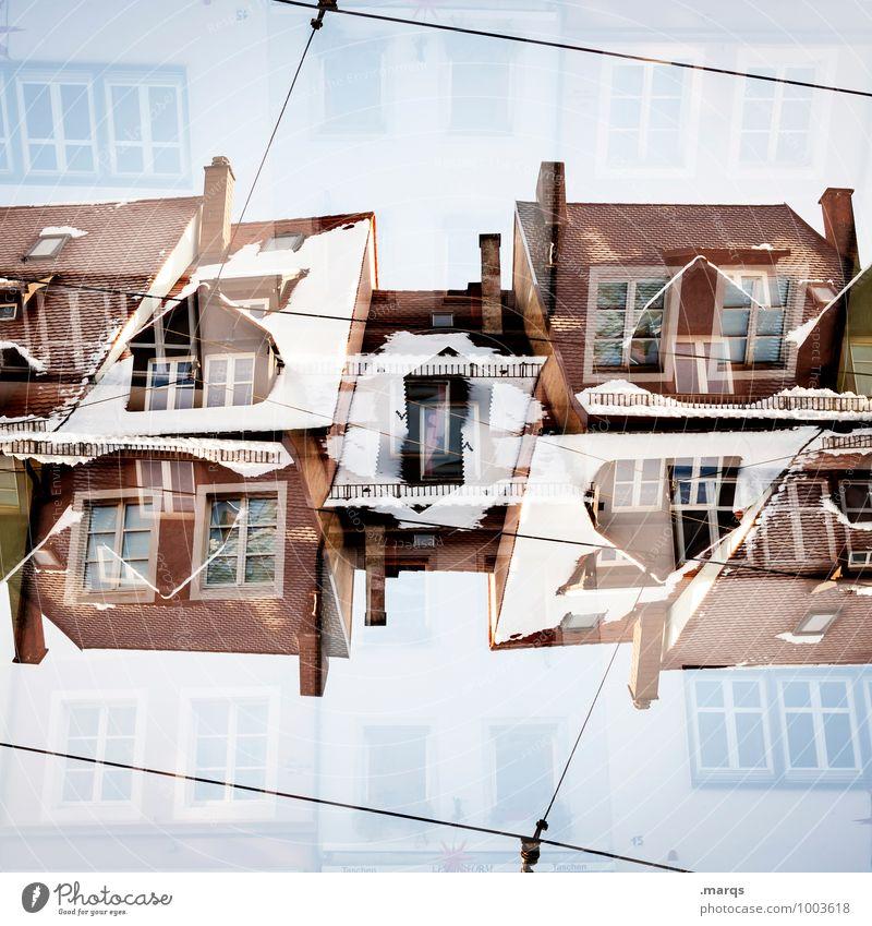 Oberstübchen Stil Häusliches Leben Haus Wolkenloser Himmel Winter Schnee Bauwerk Gebäude Architektur einzigartig verrückt Ordnung Perspektive Surrealismus