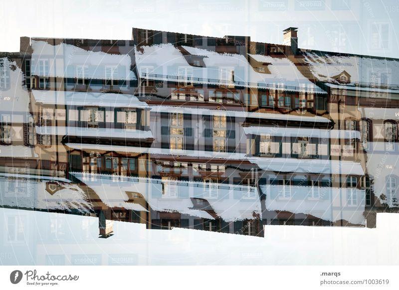 Schneebedeckt Haus Fenster Architektur Gebäude außergewöhnlich Stimmung Fassade Häusliches Leben Perspektive Dach Surrealismus Symmetrie