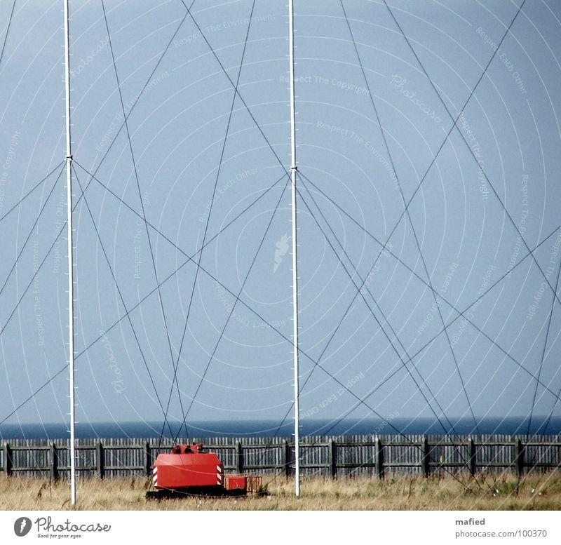 Spiderman macht Ferien Himmel Meer blau rot Technik & Technologie Kommunizieren Kabel Stoff hören Strommast Mischung durcheinander Antenne Spinnennetz Netz