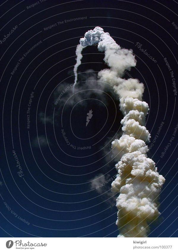und es fliegt doch! Himmel Ferne schwarz dunkel Stern Beginn Geschwindigkeit Luftverkehr USA Technik & Technologie Unendlichkeit leuchten Wissenschaften Weltall Amerika frieren