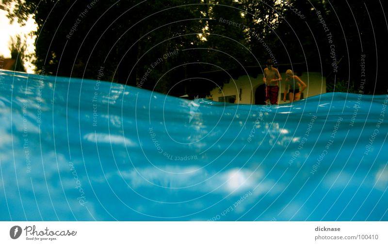 Have fun... Schwimmbad Sommer Nachmittag Wellen Badehaus Schwimmen & Baden springen Erholung Pause Kühlung kühlen Reflexion & Spiegelung Erfrischung Wellenlinie