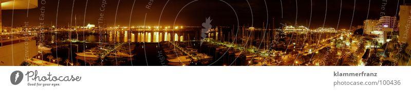Schlaf gut Hafen! Nacht dunkel Sportboot Jachthafen Abenddämmerung Stimmung kommen ankern Wasserfahrzeug Licht Nachtaufnahme Nachthimmel Panorama (Aussicht)