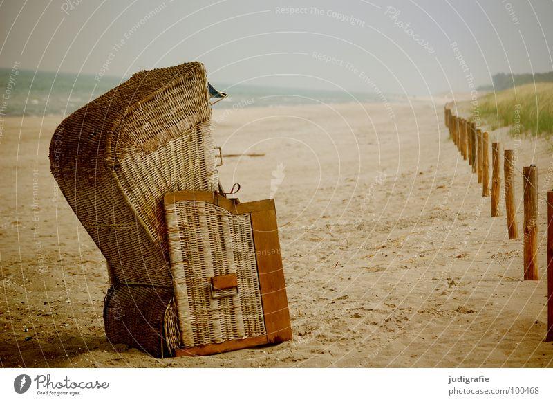 Strand Wasser Himmel weiß Meer grün Ferien & Urlaub & Reisen gelb Erholung Gras Holz Sand Linie braun 2 Küste