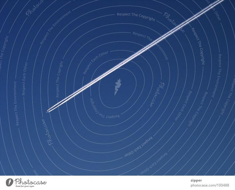 Flugzeug Himmel blau Ferien & Urlaub & Reisen Luft Flugzeug Luftverkehr Schönes Wetter Kondensstreifen