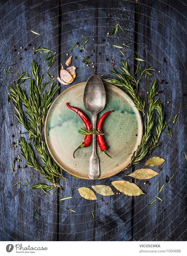 Aromatische Kräuter und Gewürze mit Löffel um der Teller blau Gesunde Ernährung Stil Essen Lebensmittel Wohnung Design Ernährung Küche Kräuter & Gewürze Bioprodukte Geschirr Restaurant Teller altehrwürdig Festessen