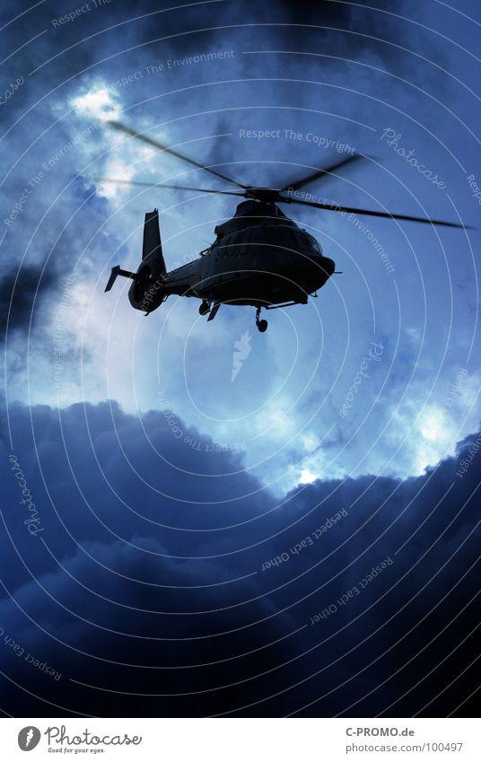 Chopper inbound Northwest of Echo blau Wolken Luftverkehr gefährlich Sicherheit bedrohlich Abheben Überwachung Pilot Hubschrauber Terror aufklären Luftraum