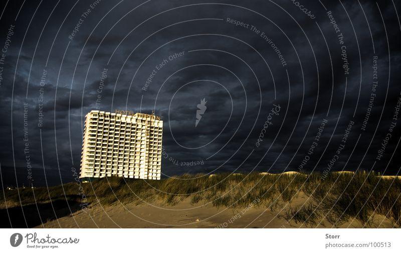 Dramatical Neptun Himmel dunkel Ostsee dramatisch zügellos theatralisch