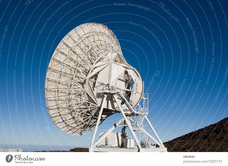 is there anybody out there? Messinstrument Antenne Wissenschaften Fortschritt Zukunft High-Tech Telekommunikation Informationstechnologie Industrie Himmel