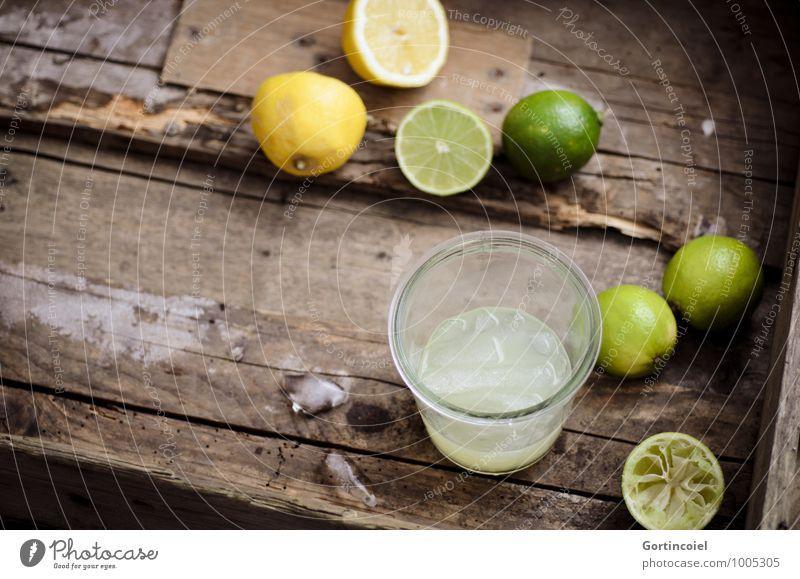 Citron Lebensmittel Getränk Erfrischungsgetränk Limonade Saft Longdrink Cocktail Glas lecker braun gelb grün Zitrone Limone Eiswürfel Zitrusfrüchte Farbfoto