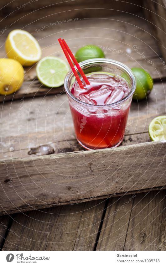 Longdrink Lebensmittel Getränk Erfrischungsgetränk Limonade Saft Cocktail Glas lecker braun gelb grün Zitrone Limone Eiswürfel Zitrusfrüchte Farbfoto