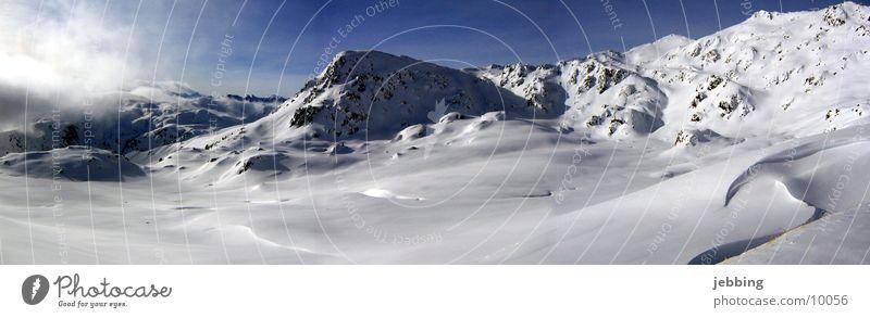 Bergpanorama Bergkette Panorama (Aussicht) Skier Gipfel kalt Österreich Bundesland Tirol Winter Europa Berge u. Gebirge Schnee Skipiste Alpen alps snow groß
