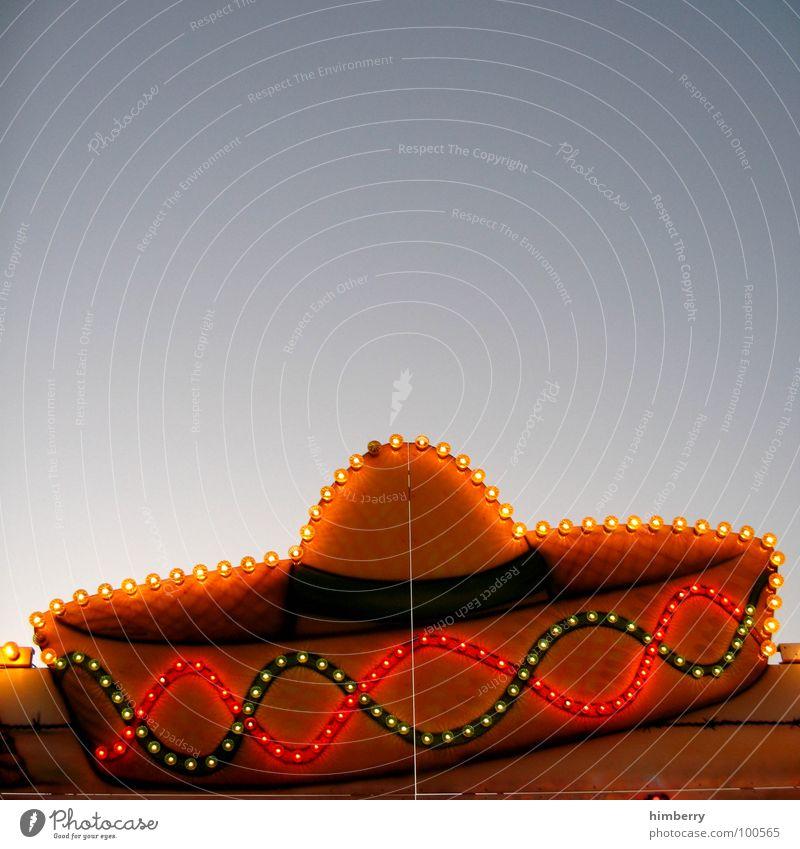tacobude Farbfoto mehrfarbig Außenaufnahme Detailaufnahme Textfreiraum oben Kunstlicht Kontrast Starke Tiefenschärfe Lebensmittel Ernährung Alkohol Lifestyle