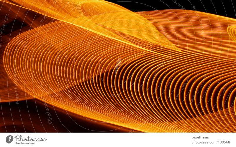 Planetenringe einmal anders... gelb hell orange ästhetisch Spuren leuchten Lichtspiel Symmetrie Drehung Leuchtspur Farbenspiel Lichtschweif Lichtdesign