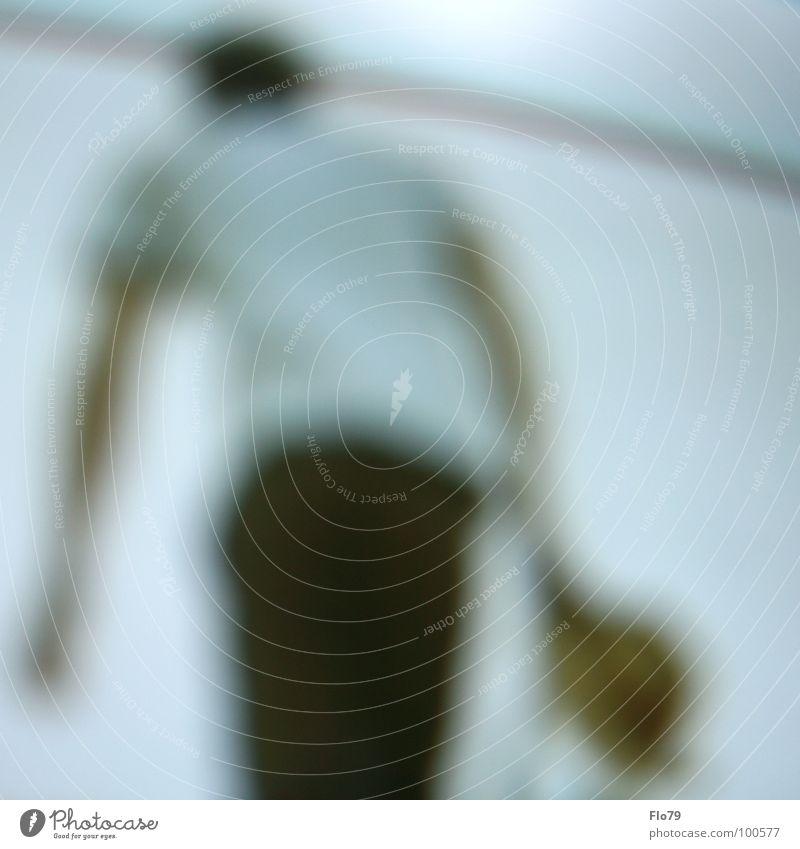 SchonwiederdieBrillevergessen Mann Mensch Unschärfe unklar verwaschen Tasche Rucksack Bewegung berühren grau Hose braun Hemd weiß gehen Farbe man shape blurred