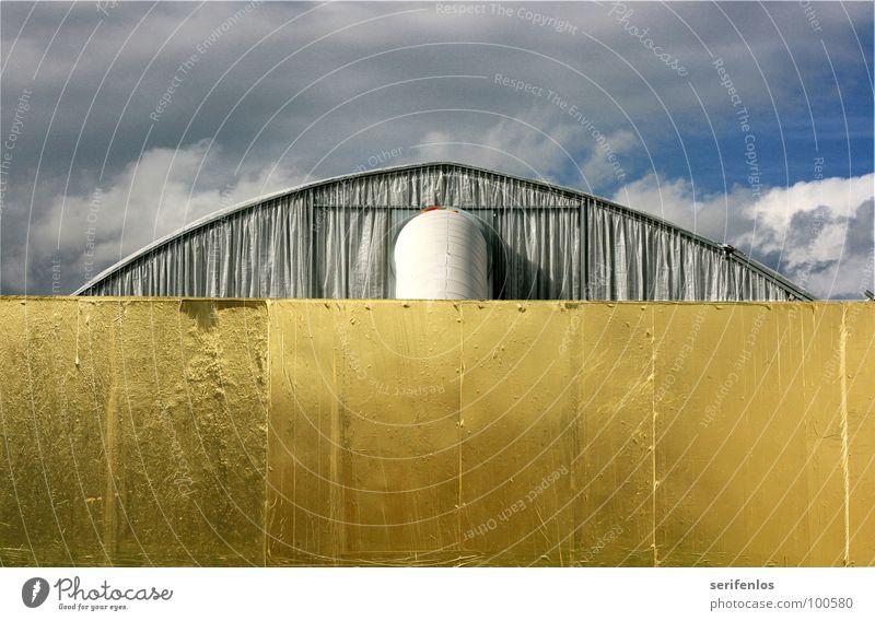 vergoldeter versorgungstrakt Himmel Wolken Kunst Kultur Symmetrie schlechtes Wetter Folie Kassel Rückseite Goldfolie