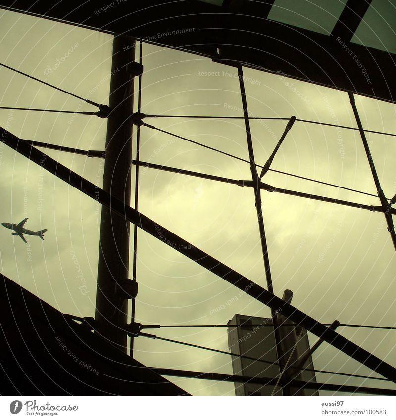 Destination anywhere Ferien & Urlaub & Reisen Flugzeug fliegen Flughafen Mallorca Düsenflugzeug Gate