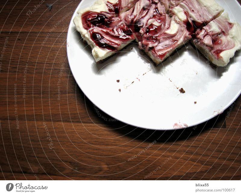 lecker Kuchen (3von3) Sahne Kirsche Teigwaren Teller Teile u. Stücke cremig Backwaren Geburtstag cake verschmiert sahnig Geschirr piece birthday cream Anschnitt