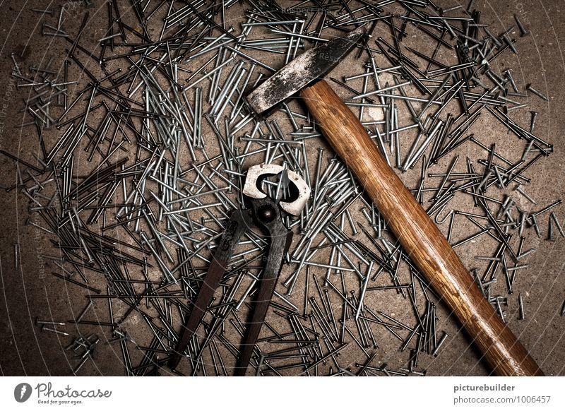 Zange, Hammer und Nägel Holz Metall Arbeit & Erwerbstätigkeit Freizeit & Hobby Beton Partnerschaft Handwerk bauen Handwerker Nagel Handarbeit Hammer Zange