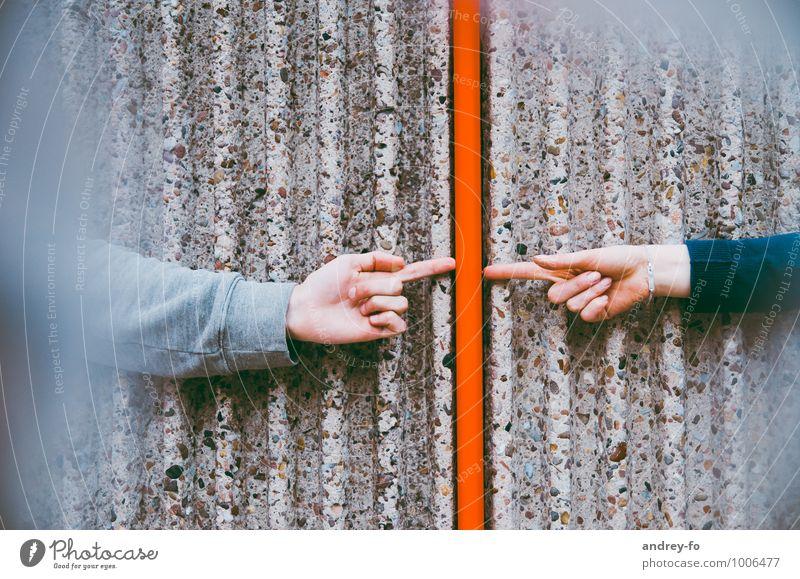 Kontakt Mensch Hand rot Gefühle Liebe Linie Freundschaft Zusammensein Idylle Arme Kommunizieren Finger berühren Team Zusammenhalt Kontakt