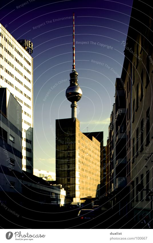 fernsehturm Himmel blau Berlin Denkmal Wahrzeichen